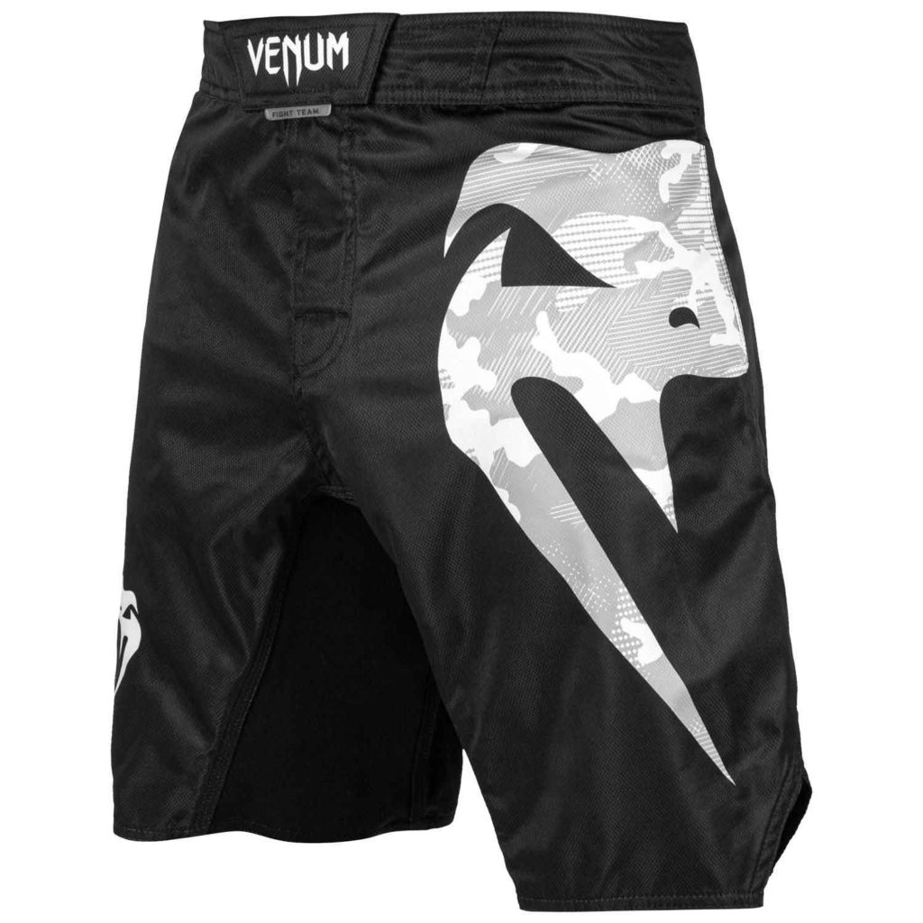 VENUM/ヴェナム LIGHT 3.0 FIGHTSHORTS/ライト 3.0 ファイトショーツ(黒/ホワイト・アーバンカモ ロゴ)
